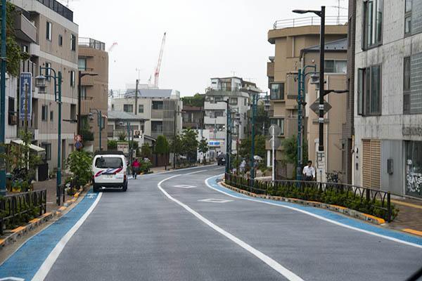 http://hokuten.sakura.ne.jp/blog/images/bus/tokyu/150826_12.jpg